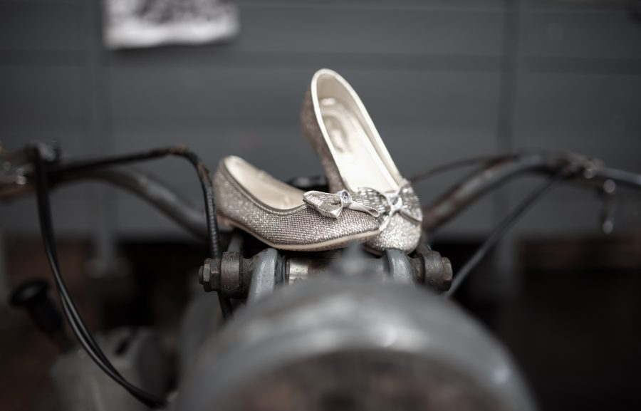 prachtige schoenen van het bruidsmeisje